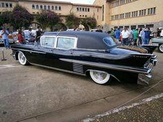 1958 Cadillac Fleetwood Series 75 Maintenance/restoration of old/vintage… 1959 Cadillac, Cadillac Ct6, Limousine Car, Car Furniture, 70s Cars, Cadillac Fleetwood, Cadillac Eldorado, Car Car, Luxury Cars