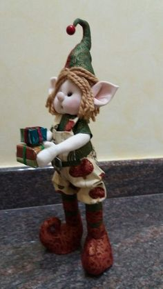 Duende Christmas Craft Projects, Christmas Wall Art, Christmas Activities For Kids, Felt Christmas, Christmas Decorations, Christmas Ornaments, Holiday Decor, Xmas Elf, Trendy Tree