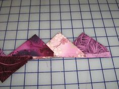 tutorial for continuous SCRAPPY prairie points!  I have done one color and two, but this is new to me!  (one of those duh moments!)