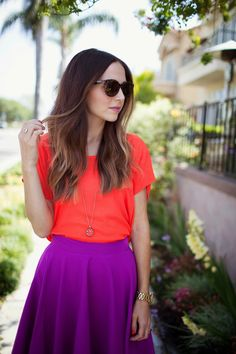photos by sara walk I go through a lot of color combination obsessions, but right now hot coral/red and radiant orchid. Diy Circle Skirt, Circle Skirt Pattern, Circle Skirt Tutorial, Donut Form, Spring Summer Fashion, Spring Outfits, Diy Design, Christmas Day Outfit, Purple Skirt