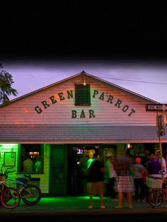 Popular Local Dive Bar featuring live music, casual atmosphere, and great drinks. The Green Parrot is firmly established amongst the Best Key West Bars. Florida Keys, Key West Florida, Visit Florida, Old Florida, Florida Usa, Florida Vacation, Florida Travel, Fl Keys, Key West Bars
