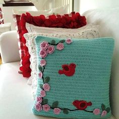 Easy And FREE Beautiful Granny Square Crochet Pillow pattern images ! - Page 10 of 47 - Beauty Crochet Patterns! Easy And FREE Beautiful Granny Square Crochet Pillow pattern images ! – Page 10 of 47 – Beauty Crochet Home, Love Crochet, Beautiful Crochet, Crochet Crafts, Yarn Crafts, Crochet Projects, Crochet Cushion Pattern, Crochet Pillow Patterns Free, Crochet Cushion Cover