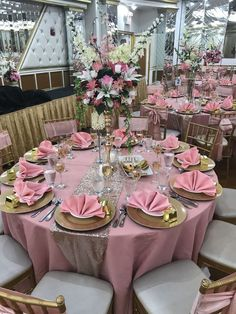 18 Romantic Dusty Rose Wedding Color Ideas for 2019 Weddings Concept, White Wedding Decorations, Sweet 16 Decorations, Quince Decorations, Quinceanera Decorations, Wedding Table Centerpieces, Flower Centerpieces, Baby Shower Decorations, Pink Table Settings, Rose Gold Table