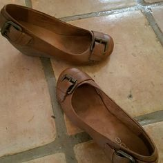 Shoes Brown wedge worn once Shoes Wedges