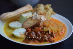 Diah Didi's Kitchen: Lontong Cap Gomeh Semarangan Halal Recipes, Spicy Recipes, Asian Recipes, Cooking Recipes, Healthy Recipes, Ethnic Recipes, Soto Ayam Recipe, Food N, Food And Drink