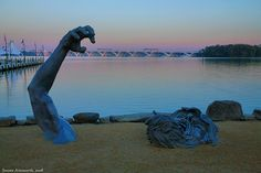 1000 images about national harbor on pinterest maryland for Awakening sculpture national harbor