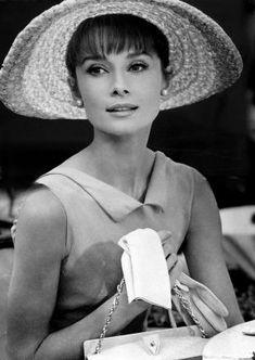 Audrey Hepburn with hat and gloves http://mylusciouslife.com/style-icon-audrey-hepburn-pictures/