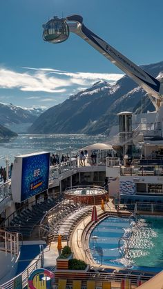 Experience Alaska's wilderness onboard one of the world's most groundbreaking cruise ships, Ovation of the Seas®. Your vacation has never been wilder. Pacific Cruise, Alaska Cruise, Cruise Ship Reviews, Anthem Of The Seas, Cruise Pictures, Naval, See The Northern Lights, Royal Caribbean Cruise, Camping Spots