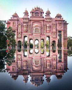 Amazing Photos Incredible India Tolle Fotos Unglaubliches Indien - Baby Tips & Shower Ideas Nature Architecture, Indian Architecture, Beautiful Architecture, Beautiful Buildings, Beautiful Places, Ancient Architecture, Unusual Buildings, Colourful Buildings, Architecture Portfolio