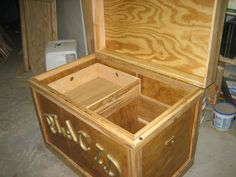 Kyserike Kraftsman Customer Showcase -Dennis sent us these pictures of the tack trunk and grooming tote that he created using our plans for a friend's daughter for Christmas. Dennis used spalted maple for the trim, shelf, and sliding tray. The grooming tote he created using clear pine. Dennis told us that he felt the plans were easy to follow and he really enjoyed making the trunk and thanked us for creating the plans.