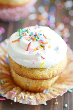 Classic Vanilla Cupcakes from Scratch http://www.somethingswanky.com/classic-vanilla-cupcakes-from-scratch/?utm_campaign=coschedule&utm_source=pinterest&utm_medium=Something%20Swanky&utm_content=Classic%20Vanilla%20Cupcakes%20from%20Scratch