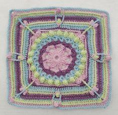 Tekstiiliteollisuus - Hyvä ja nöyrä sydän pala 5 Crochet Bunting, Helmet, Blanket, Blankets, Helmets, Carpet