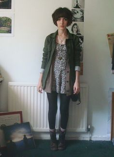 Hadn't originally intended to take any photos of my outfit today, but I like it too much not to.