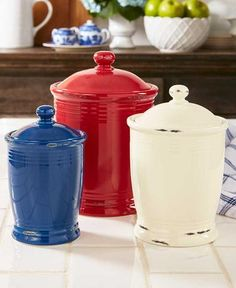 Store pantry staples such as flour, sugar and tea in this Set of 3 Multicolored Canisters. Each canister has a sealed lid to keep the contents fresh. This inten Country Kitchen Flooring, Country Dining Rooms, Country Furniture, Country Decor, Kitchen Cabinets Decor, Diy Kitchen Decor, Kitchen Ideas, Home Interior Design, Interior Decorating