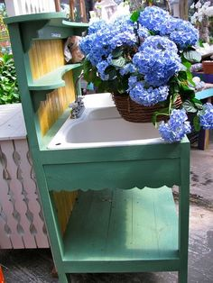 old sink in the bench...