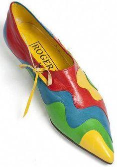 Roger Vivier – Mocassin 'Puzzle' – Bleu, Jaune, Rouge et Vert – – zapatos de mujer Chaussures Roger Vivier, Roger Vivier Shoes, Pretty Shoes, Beautiful Shoes, Mode Shoes, Modelos Fashion, Shoe Boots, Shoe Bag, Louboutin
