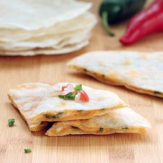 Easy Gluten-free Vegan Tortillas- great taste texture and only 4 ingredients! Add vegan cheese and veggies for a plant-based quesadilla. Allergy Free Recipes, Gluten Free Snacks, Gluten Free Baking, Vegan Gluten Free, Vegan Recipes, Cooking Recipes, Vegan Baking, Dairy Free, Tortillas Veganas