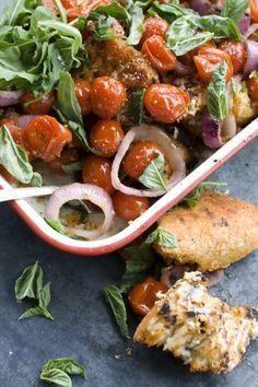 Grilled Bread & Tomato Salad w/ Parmesan & Smoked Paprika (made this last night for dinner - big hit! Side Recipes, Healthy Recipes, Different Salads, Tomato Salad Recipes, Grilled Bread, Bread Salad, Summer Tomato, Healthy Eating Habits, Healthy Living