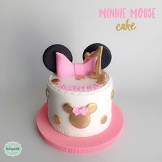 Minnie Mouse Party, Torta Minnie Mouse, Mini Mouse Cake, Mickey And Minnie Cake, Bolo Minnie, Minnie Mouse Birthday Cakes, Mickey Mouse Cupcakes, Mickey Cakes, Mickey Birthday
