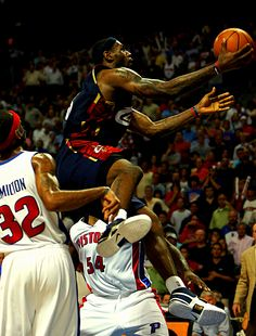 Bron Scores At Will, '07 East Finals.