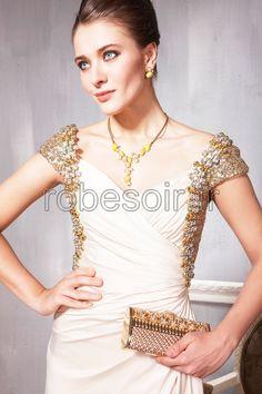 robes de soirée, robes de cérémonie, robes de bal, robes de mariage, robes de cocktail, robes demoiselle d'honneur, robes longues en rose, fille, femme, mode   http://www.robesoir.fr/toutes-les-robes-de-longues/204-vancouver-longueur-au-sol-col-en-coeur-champagne-chiffon-line-a-robes-de-soiree-longue-robes-de-ceremonie-robes-de-cocktail-concours-de-beaute-les-invites-au-mariage-luxe.html#