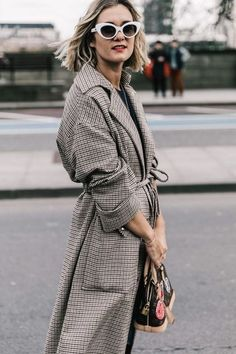 101 Best Winter and Fall Street Style Inspiration - Fashiotopia Fashion Weeks, Fashion Outfits, Fashion Trends, Style Fashion, Street Style Chic, Autumn Street Style, Elegante Y Chic, Foto Fashion, Looks Style