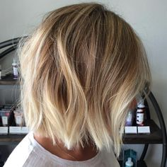 60 Beautiful and Convenient Medium Bob Hairstyles Gorgeous Blonde Bob for Tan Complexion Medium Bob Hairstyles, Pretty Hairstyles, Blonde Bob Hairstyles, Teenage Hairstyles, Dance Hairstyles, Casual Hairstyles, Pixie Haircuts, Latest Hairstyles, Celebrity Hairstyles