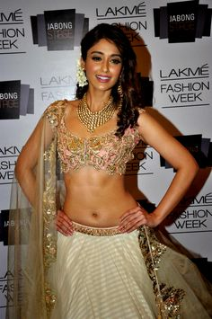 Tamil Actress ILeana d'cruz Hot Photos Lattest Images And Photo shots. Lattest Bollywood Actress ILeana d'cruz Hot Photos From Movies And Photoshots Ileana D'cruz, Sonam Kapoor, Deepika Padukone, Indian Film Actress, Indian Actresses, Actress Pics, Bollywood Fashion, Bollywood Actress, Bollywood Lehenga