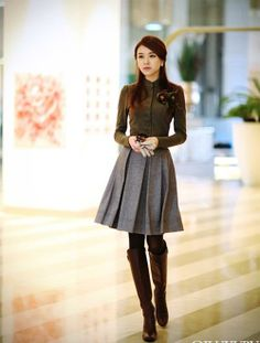 f9e8264b25 40 Modest but Classy Skirt Outfits Ideas Suitable for Fall - Aksahin Jewelry