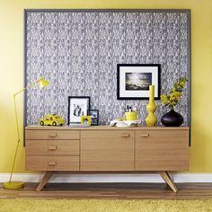 Moulding-Framed Wallpaper