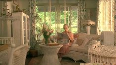 I always loved the old Atlanta home in Driving Miss Daisy - particularly that sunroom Movie Set Decor, Driving Miss Daisy, 1940s Home, Antebellum Homes, Atlanta Homes, Home Tv, White Wicker, Chicago Restaurants, Kitchen Redo