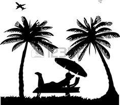 Silhouette d'une fille et un bain de soleil la lecture du livre sur la plage à côté de la paume des mains, l'un dans la série d'images similaires