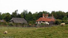 on peut toujours rêver, pourquoi pas d'un cottage anglais ? Plongeons dans cet univers    ...
