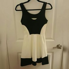 Black and White Dress Fit and Flare Skater NWOT Perfect condition. Never been worn! Absolutely love it but I don't have an event to wear it to Aqua Dresses Mini