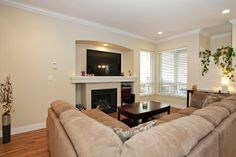 Bright, open concept, vaulted ceilings. #surreyrealestate