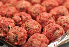 The best Italian-Style Meatball Recipe Italian Style Meatball Recipe, Italian Meatballs, Meatball Recipes, Hamburger Recipes, Meatball Subs, Ww Recipes, Cooking Recipes, Healthy Recipes, Supper Recipes