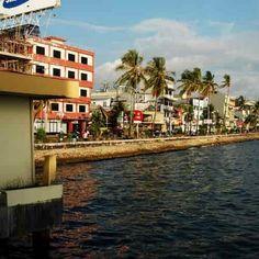 Pantai Losari Makassar - Ujung Pandang Makassar, Mansions, House Styles, Home Decor, Decoration Home, Manor Houses, Room Decor, Villas, Mansion