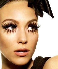 lashes for days!