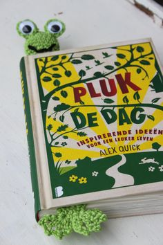 Opkikkertje - Leuke gehaakte kikker boekenlegger Haken - Crochet - Patroon