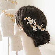 A custom floral beauty for bride Kimara xx  #bridalheadpiece #custom #floral #wedding #bridalhair #percyhandmade #weddinghair #weddingheadpiece #bridal #weddingdress #haircomb #accessories #bride #hairpiece