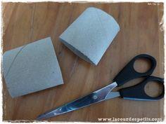Bricolage en rouleaux de papier toilette #5 : un calendrier de l'avent |La cour des petits Scissors, Wraps, Bricolage Noel, Yard, Toilets, Children