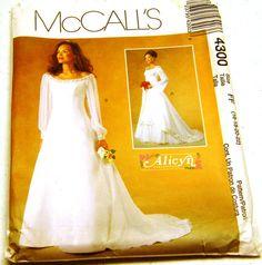 Alicyn Exclusive McCalls 4300 Empire Wedding Dress Sz 16-18-20-22