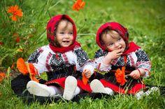 Romanian beauty<3 #Bucovina #romanianblouse #traditionalcostumes Cute Kids, Cute Babies, Folk Costume, Costumes, Romanian Girls, Winter Beauty, People Of The World, Eastern Europe, Winter Time