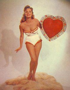 Marilyn Monroe      Rhonda Fleming      Yvonne De Carlo      Arlene Dahl      Betty Grable