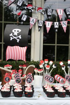 Black Red & White Pirate Party Happy Birthday por JesParkerEvents