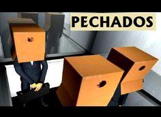 """DVD CINE 605 - Pechados (2006) Galicia. Dir: Diego Gómez Fernández, Irene Formoso Beloso, José Domato Pedreira, Miguel Ángel Janeiro Fernández. Drama. Curtametraxe. Sinopse: un home que viches unha caixa na cabeza ensínanos un día calquera do seu día a día. A caixa ten un só buraco que o distorsiona a súa percepción da realidade. Un incidente no ascensor de us lugar de traballo prívalle da súa caixa. A partir dese momento, """"P"""" descobre unha versión da realidade que non coñecía.."""
