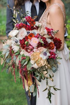 burgundy and gold fall wedding bouquet