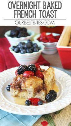 Overnight breakfast recipe that is perfect for Christmas morning breakfast!  This overnight baked French Toast with crunchy brown sugar topping comes together in just a few minutes the night before, then bakes in the morning for an easy, festive breakfast treat! Overnight French Toast, French Toast Bake, Overnight Breakfast, Brunch Recipes, Breakfast Recipes, Breakfast Ideas, Breakfast Casserole, Morning Breakfast, Teacher Breakfast