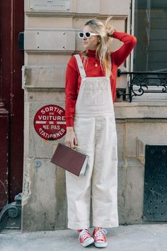 How to style overalls this summer street style одежда, летня Sneakers Fashion Outfits, Chic Outfits, Summer Outfits, Red Sneakers Outfit, Pretty Outfits, White Overalls, Denim Overalls, Jean Top, Street Looks