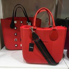 Hobo Handbags, Prada Handbags, Purses And Handbags, Chic Fall Fashion, Geek Chic Fashion, Womens Glasses, Goodie Bags, Travel Bags, Fashion Bags